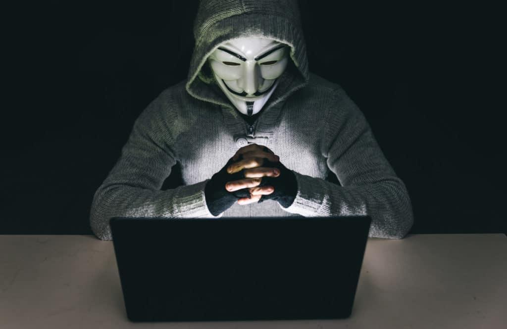 Uzlaužot e-pastu, krāpnieki no kāda Latvijas uzņēmuma izkrāpj 80 000 eiro