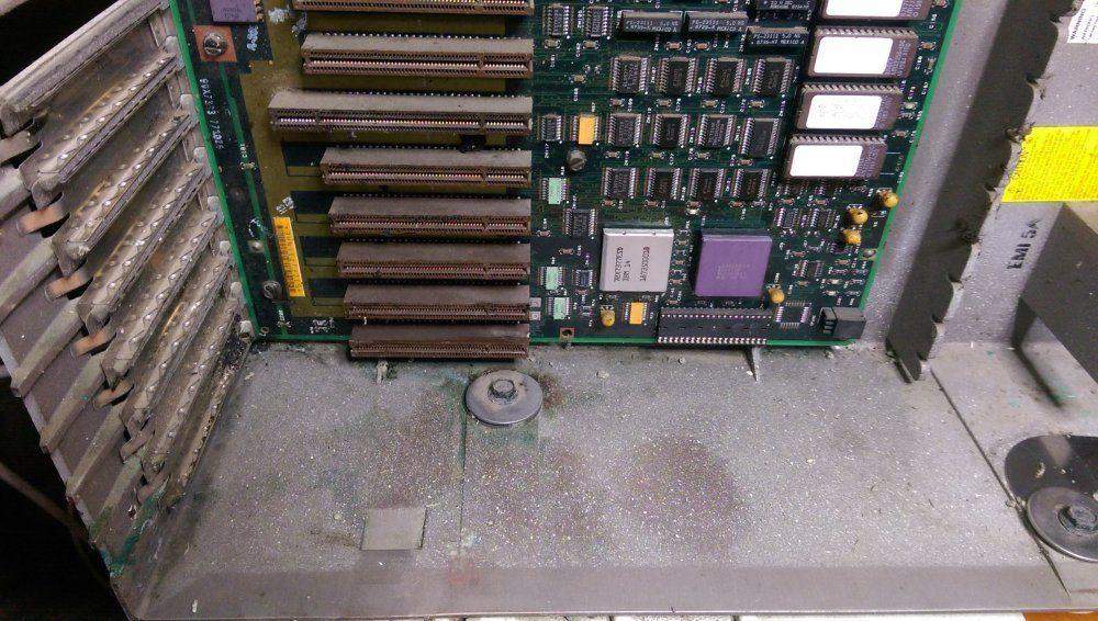 ibm_ps2_model60_unpacked_opened_cleaned.thumb.jpg.d033233801477e7e9727852e1cf60717.jpg